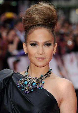 Le chignon XXL de Jennifer Lopez