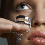 Le recourbe cils pour des yeux de biche