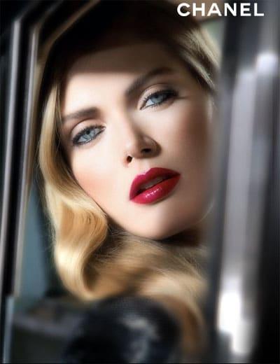 Le rouge à lèvre rouge intense signe son retour cet automne