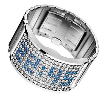 La montre D : Light, meilleur produit de l'année 2010